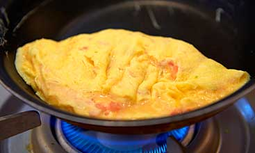 It is finish gerufuwattoro omelette in front